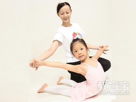小孩舞蹈图片素材