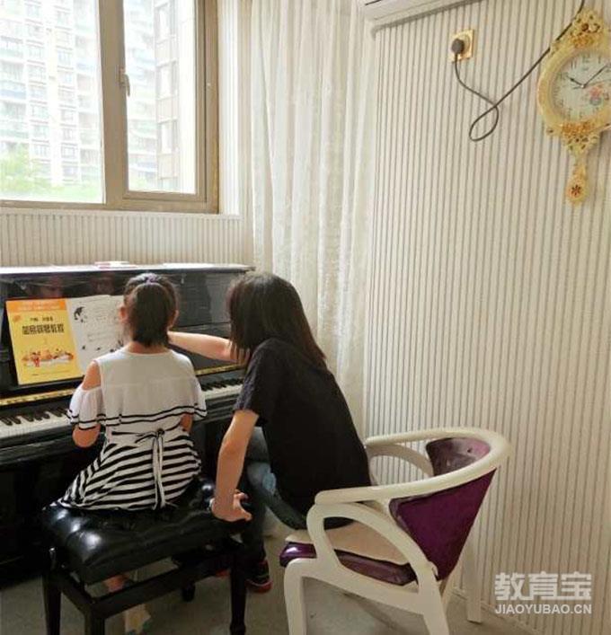 【郑州钢琴培训】郑州钢琴培训价格_郑州格林卡音乐